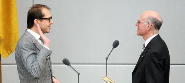 Alexander Dobrindt leistet den Amtseid - © Deutscher Bundestag / Achim Melde
